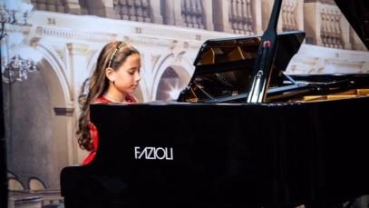 intermediate piano clases